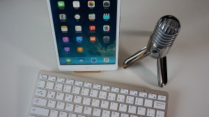 microphone phone and keyboard